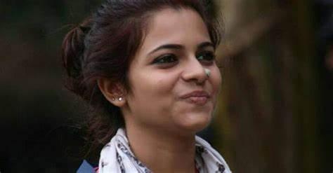Jasla Madassery - Bigg Boss Malayalam 2 second wild card entry