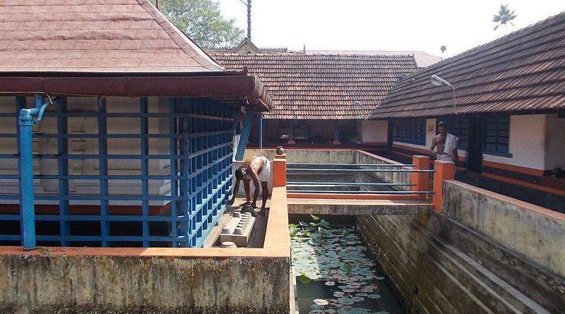 Dhakshina-Mookambika-Temple-North-Paravoor-Kerala-Temples