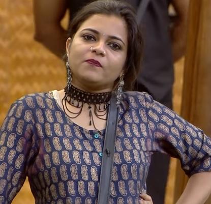 Jasla-Madassery-–-Bigg-Boss-Malayalam-2-second-wild-card-entry